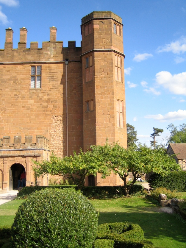 Tudor gatehouse at Kenilworth Castle